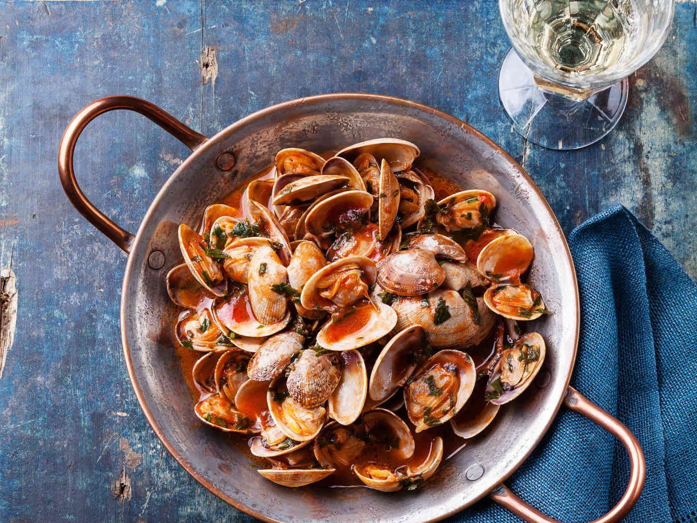 Vongole Tomato Sauce Vongole Shells With Tomato